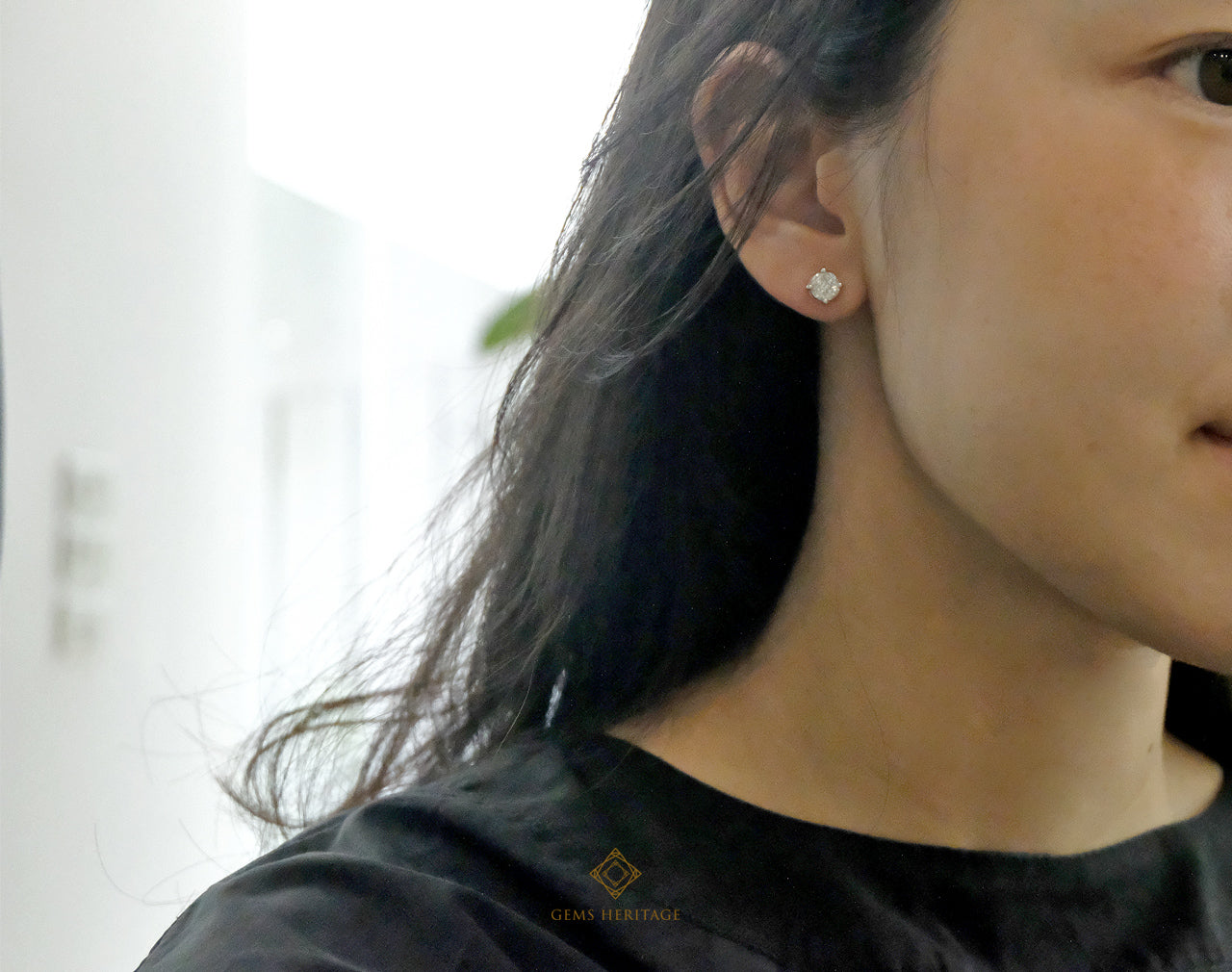 Small round illusion earrings