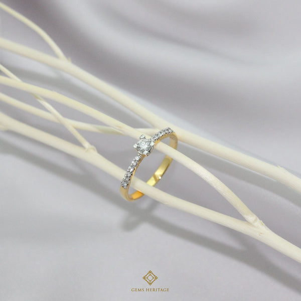 Mini karat diamond ring