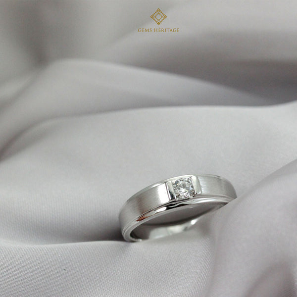 Men's diamond ring 0.19 carats