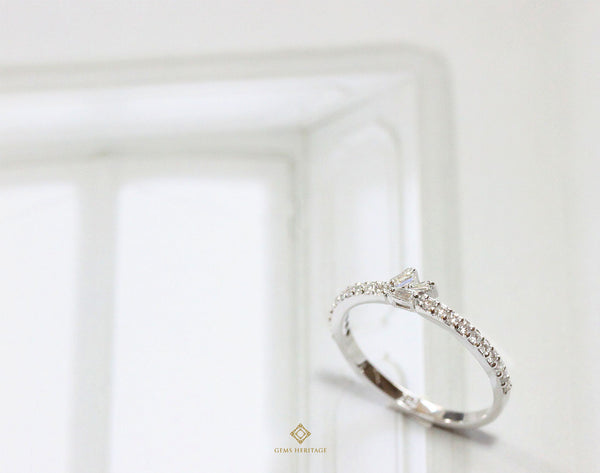 Mini Baguette diamond ring