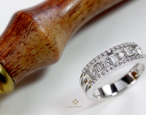 Metropolis diamond ring (with baguette diamond)