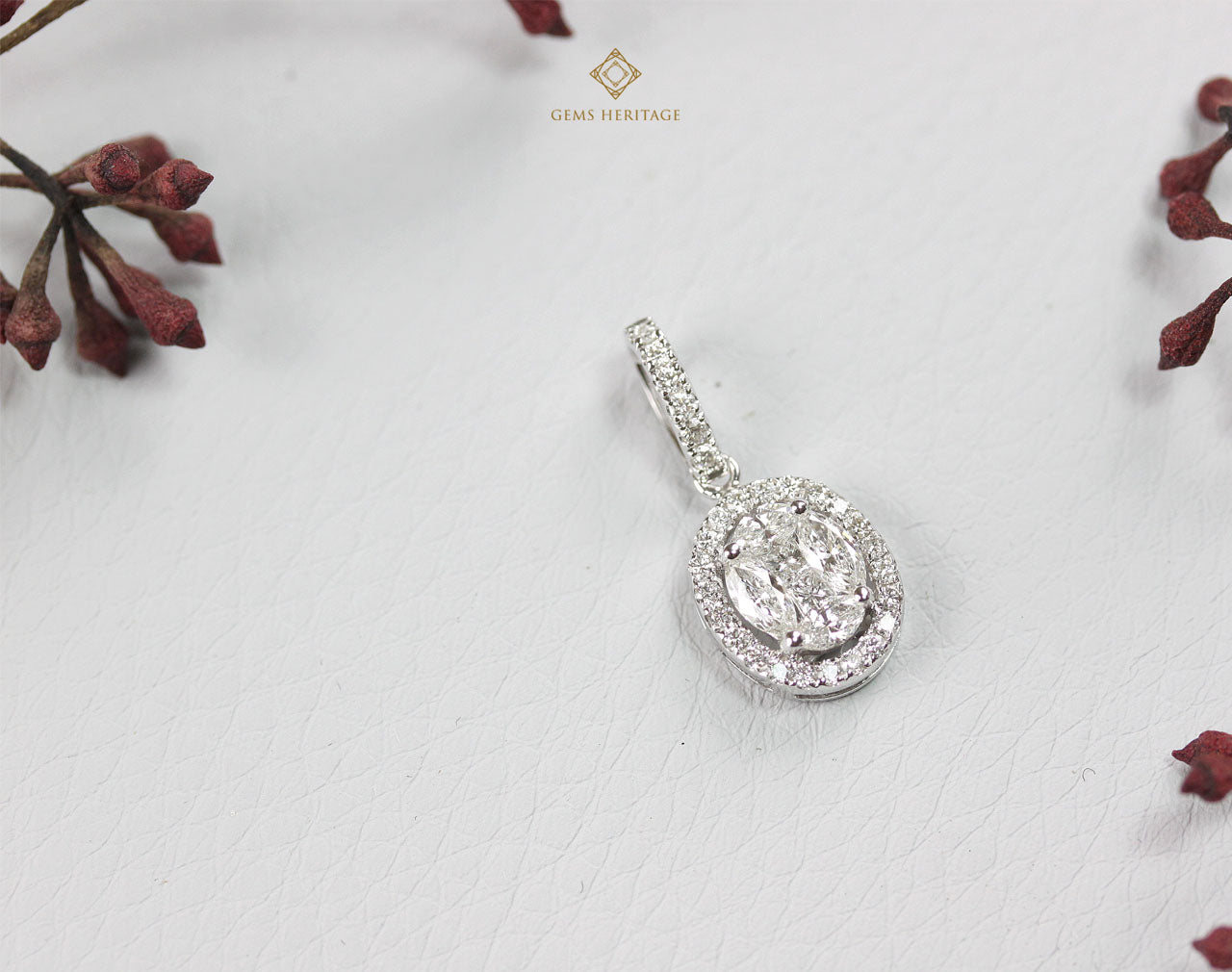 Oval halo illusion setting diamond pendant