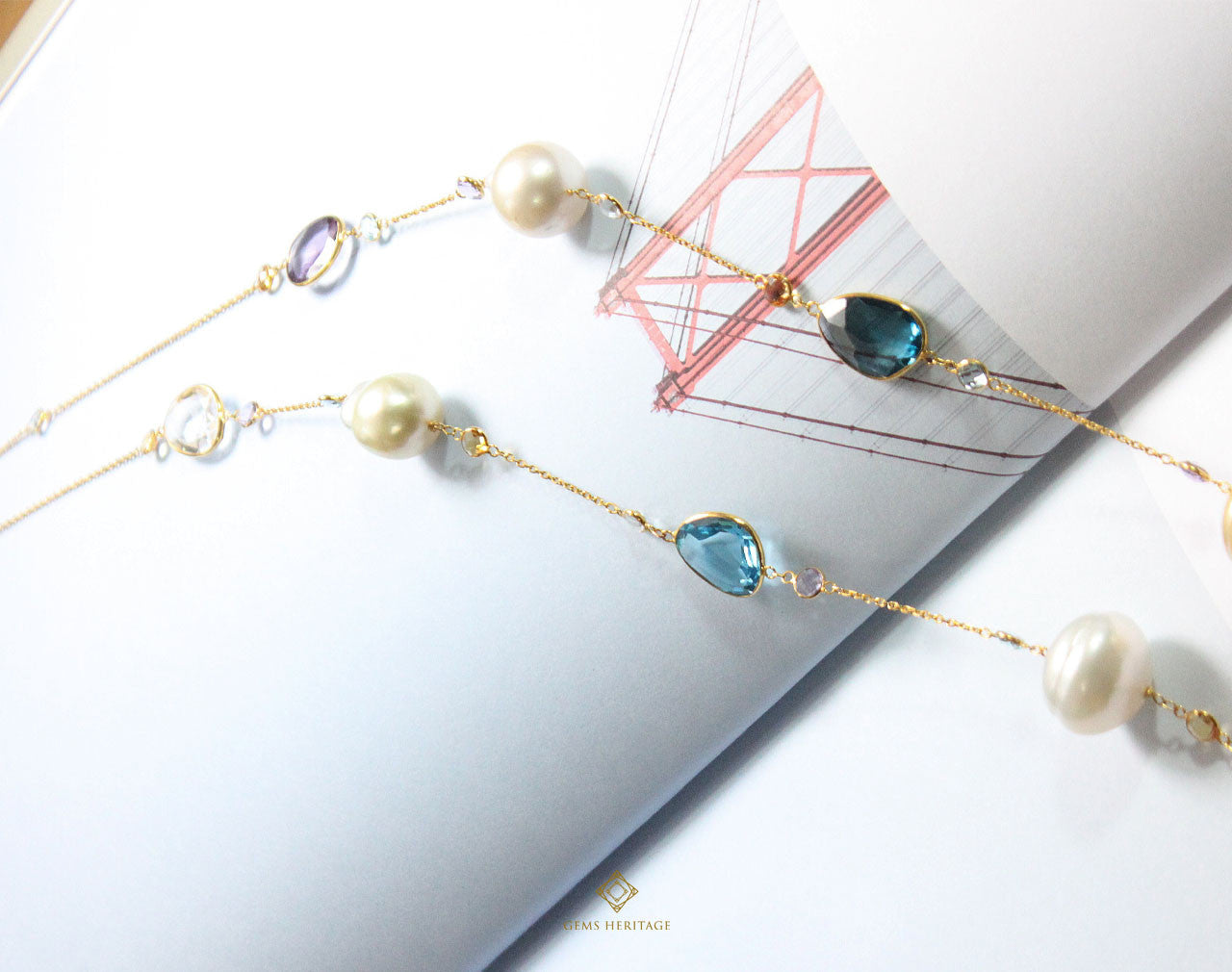 Pearl string with gemstones (L)