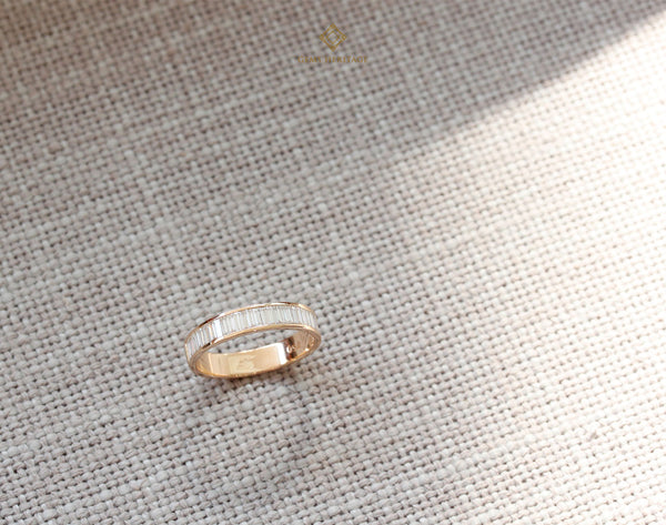 Baguette line diamond ring (B)
