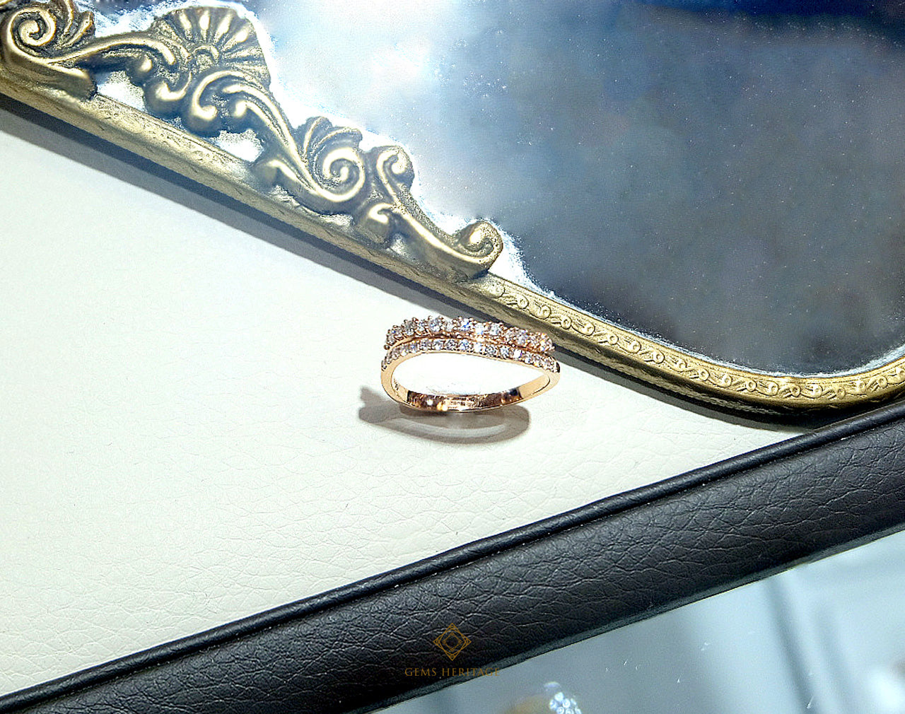 Two lines curve ring