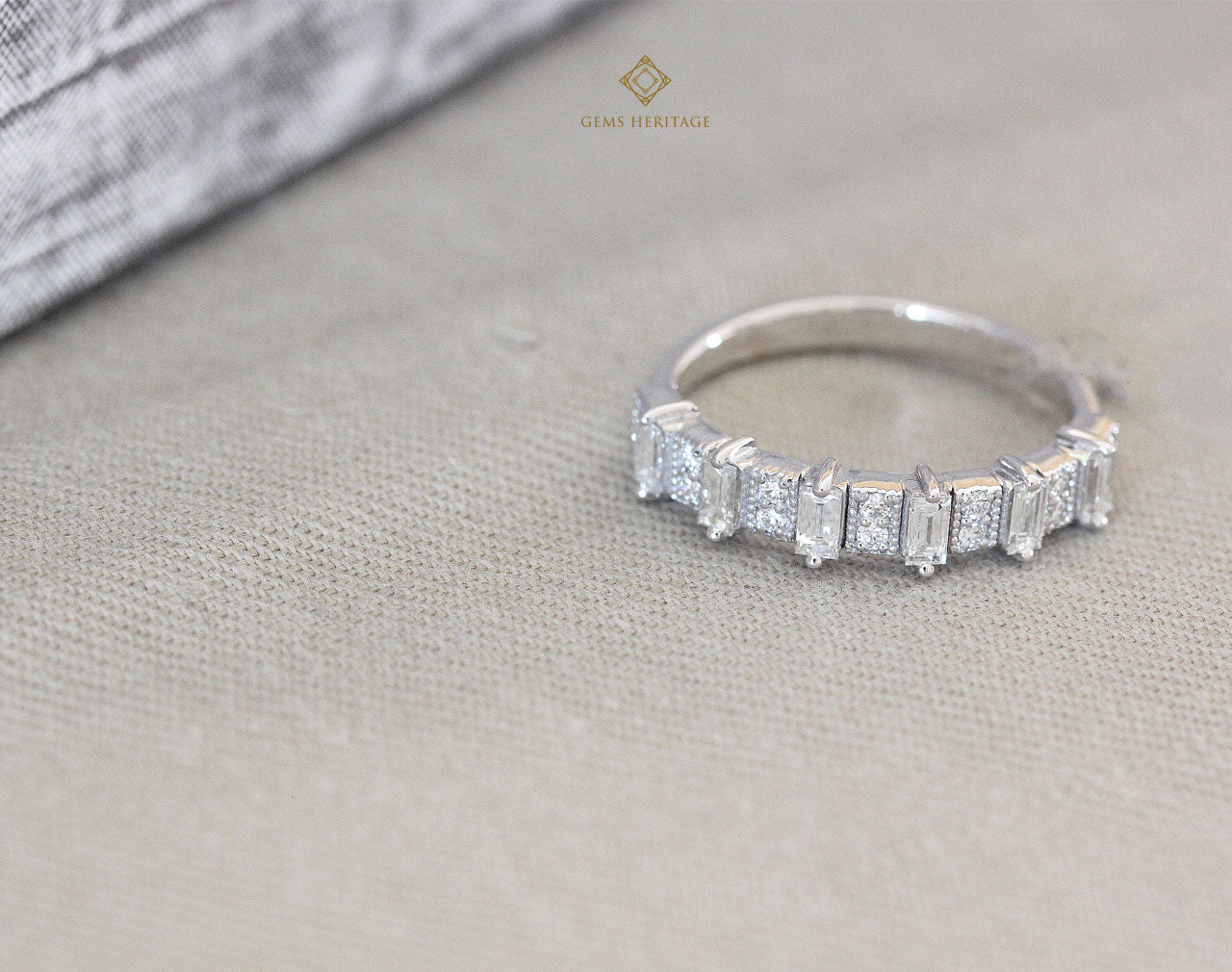 Bar baguettes diamond ring