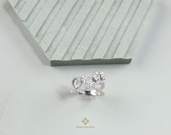 Oval illusion setting diamond ring