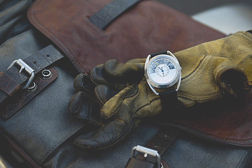 Motochrono watch with motorcyclists accessories