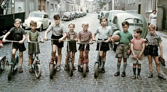 Die Roller-Kinder, vintage childhood photography
