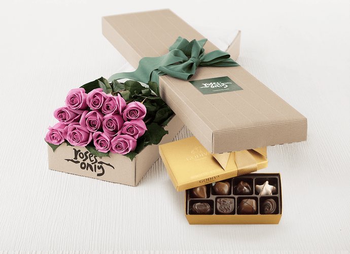 12 Mauve Roses Gift Box & Gold Godiva Chocolates
