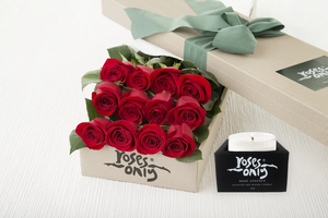 12 Red Roses Gift Box & Scented Candle
