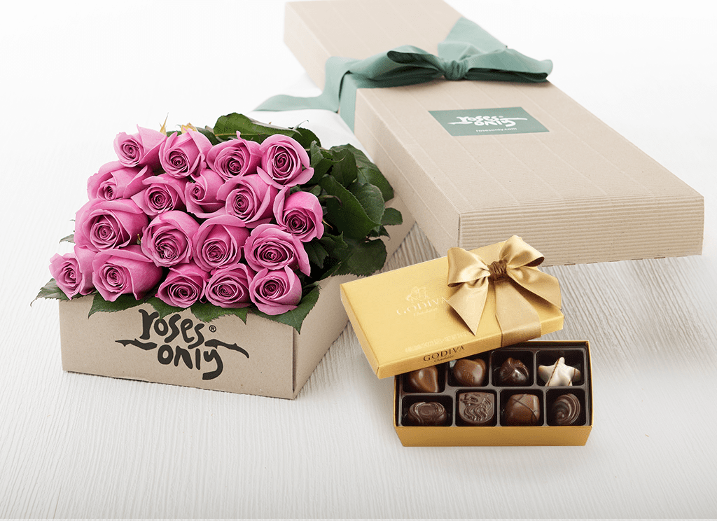 18 Mauve Roses Gift Box & Gold Godiva Chocolates