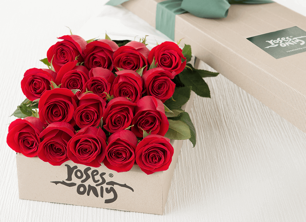 18 Red Roses Gift Box Roses Only