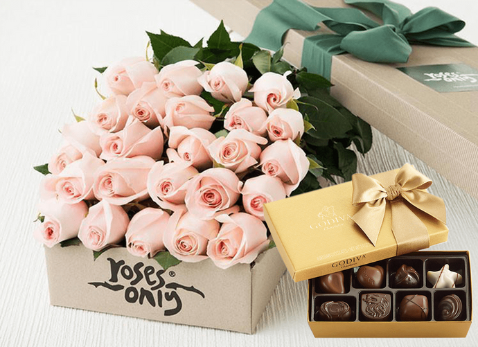 Mother's Day 24 Pastel Pink Roses Gift Box & Gold Godiva Chocolates