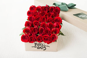 30 Red Roses Gift Box