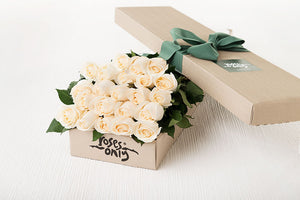 21 White Cream Roses Gift Box