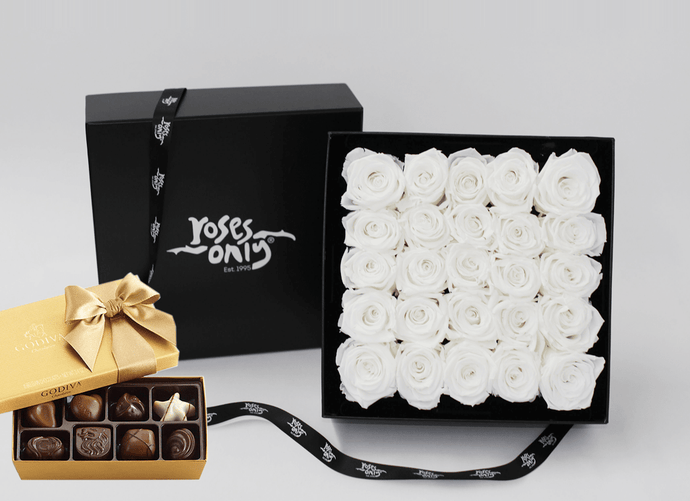 25 Stunning white cream infinity roses, beautifully presented in a black box