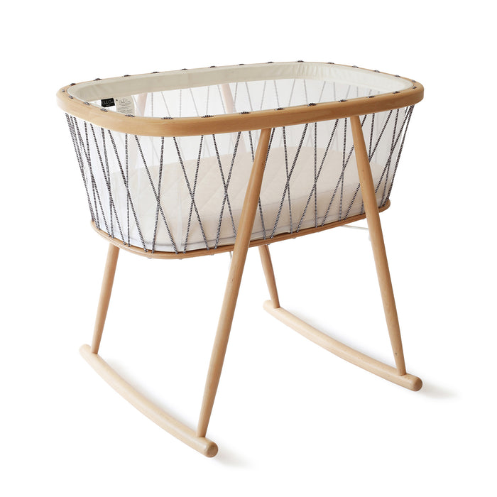 Kumi Bassinet | Black + White