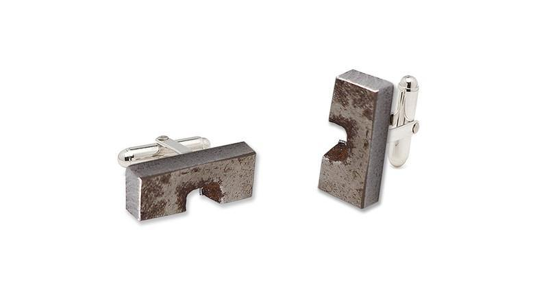 Tokens & Icons- Authentic Clydesdale Shoe Cuff Links