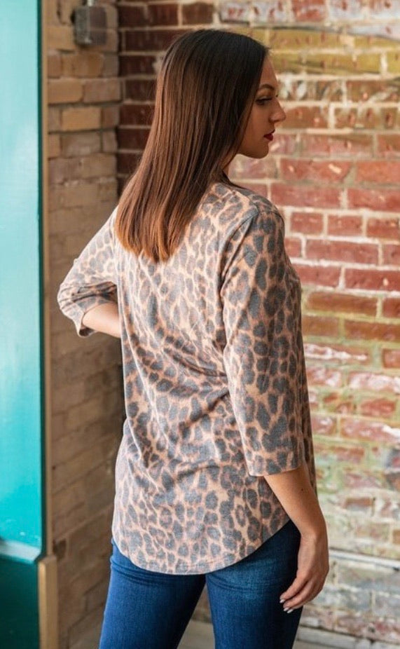 Vintage Wash Leopard 3/4 Sleeve Top