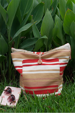 Load image into Gallery viewer, Daria Backpack (Fresa) - Huaywasi: Handmade in Peru
