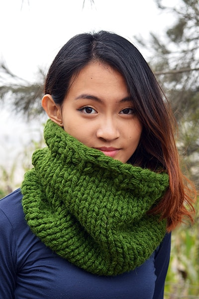 Chunky Infinity Scarf (Forest Green) (Tight Fit) - Huaywasi: Handmade in Peru
