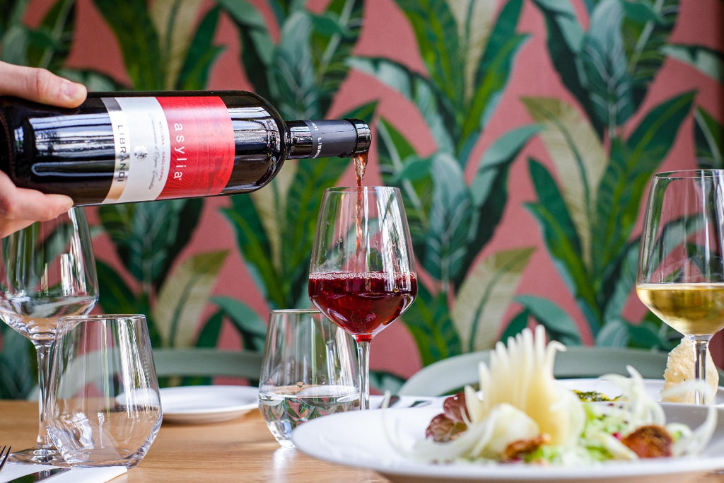 Enjoy a delicious surprise every month with gourmet wines hand picked by our team to please any palate.