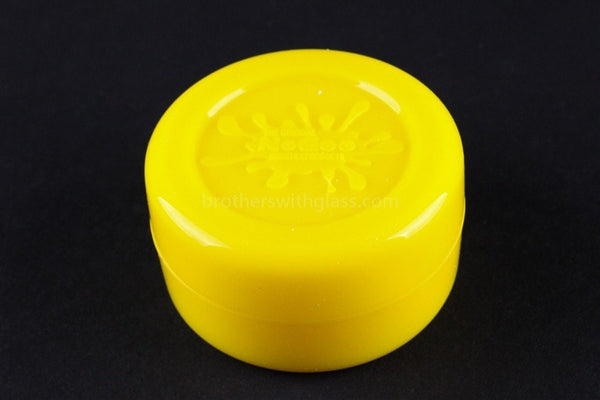 The Original NoGoo Large 10ML Non Stick Concentrate Container - Yellow - Brothers with Glass - 1
