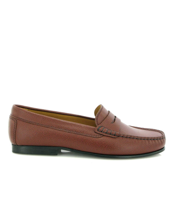 Yoki Loafers in little grainy leather