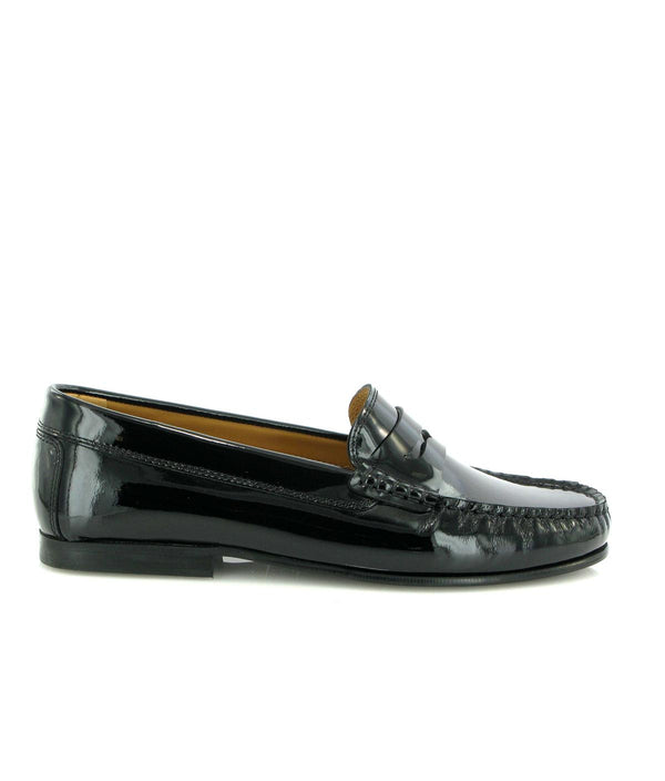 Yoki Loafers in patent leather