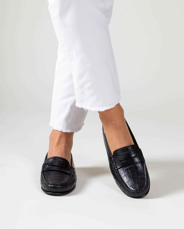 Yoki Loafers in croco-effect leather