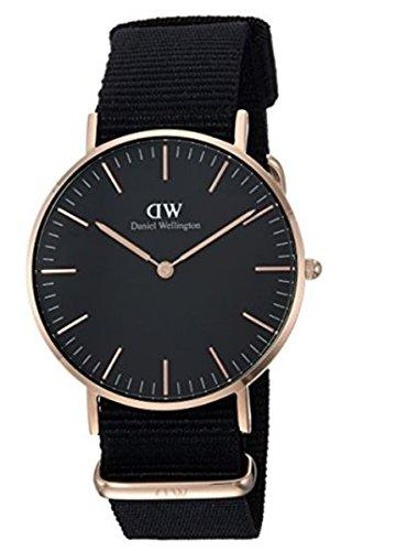 Daniel Wellington Classic Unisex Quartz Watch with Black Analogue Quartz Fabric DW00100150