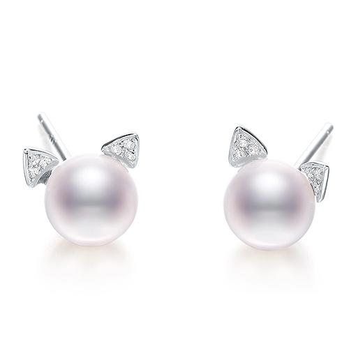 Chenelle White Pearl Kitty Stud Earring