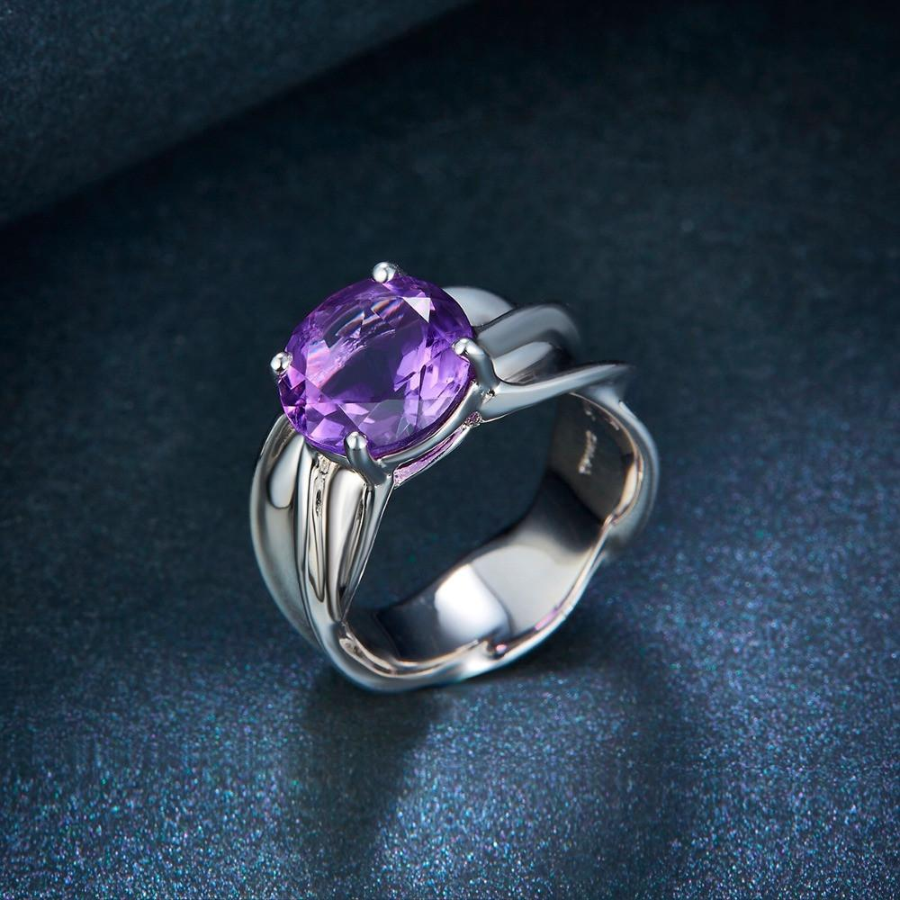 Eeary Solitaire Amethyst Ring