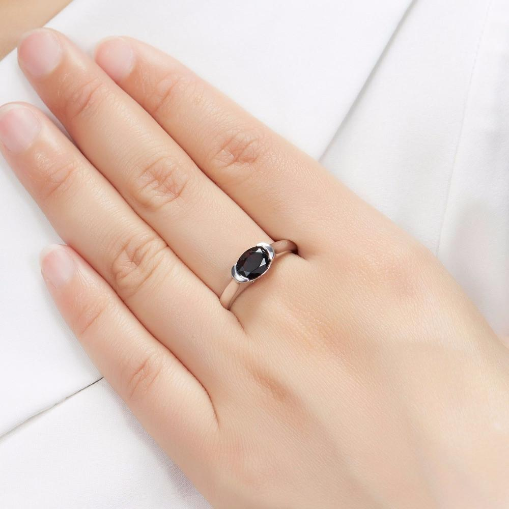 Iskra Oval Black Garnet Ring
