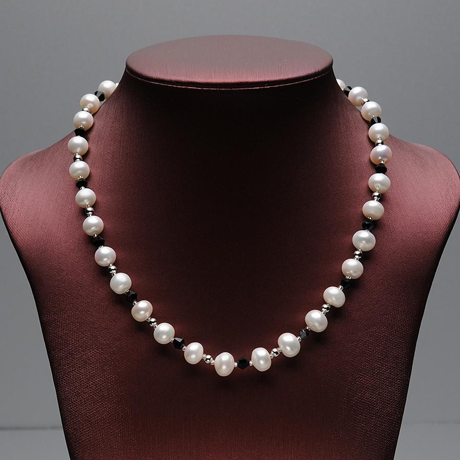 Jie Round Pearl Necklace