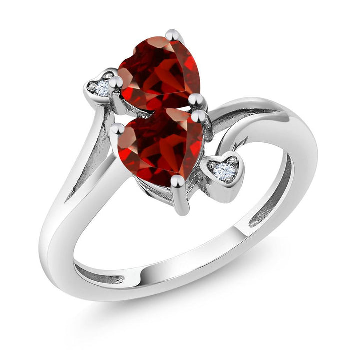 Agáta Red Heart Garnet Ring