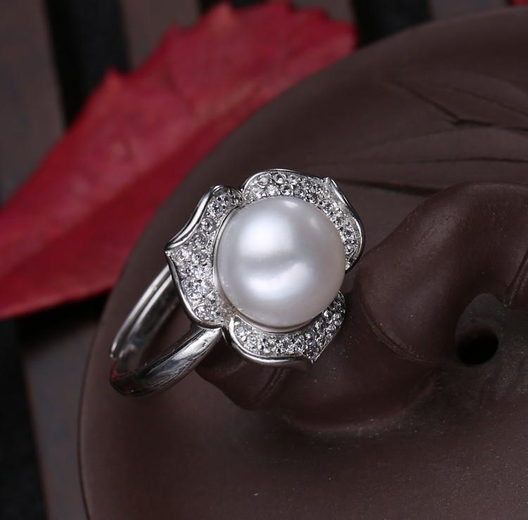 Ena Round Pearl Flower Ring