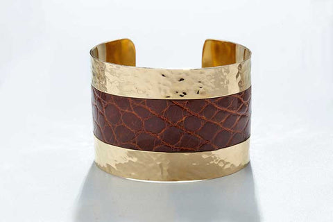 Arc Cuff - Hammered Gold - Alligator - Cognac