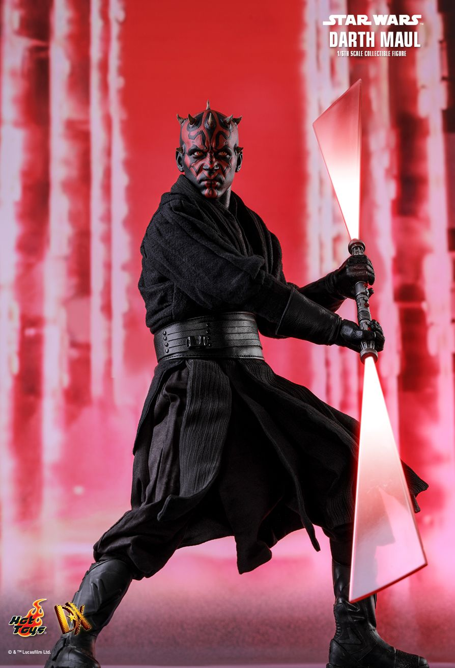 STAR WARS - Darth Maul - Red Ignited Lightsaber Blade In Motion
