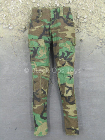 Female Soldier - Woodland Camo - Combat Pants