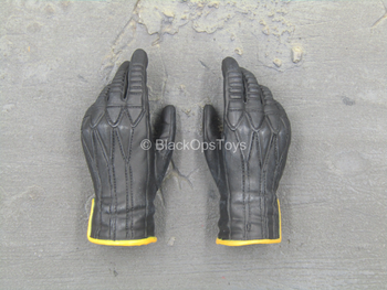 X-Men Last Stand - Wolverine - Male Relaxed Gloved Hands