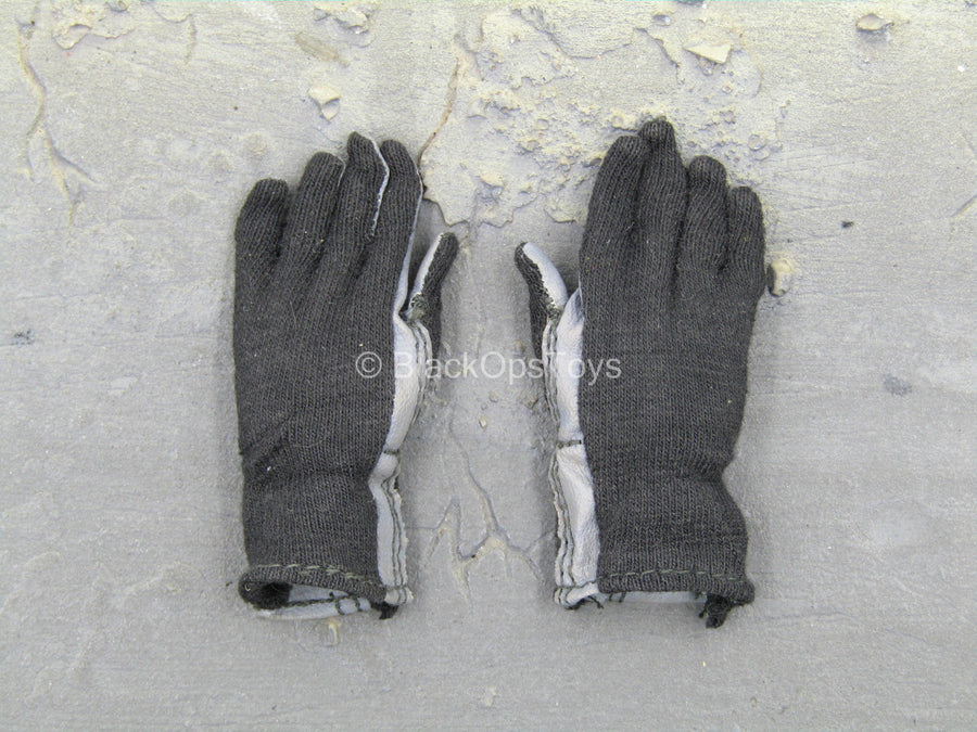 SOCOM Commander Specter - Black & Grey Gloves w/Bendy Hands