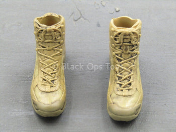 The Zombie Survivor - Tan Combat Boots (Foot Type)