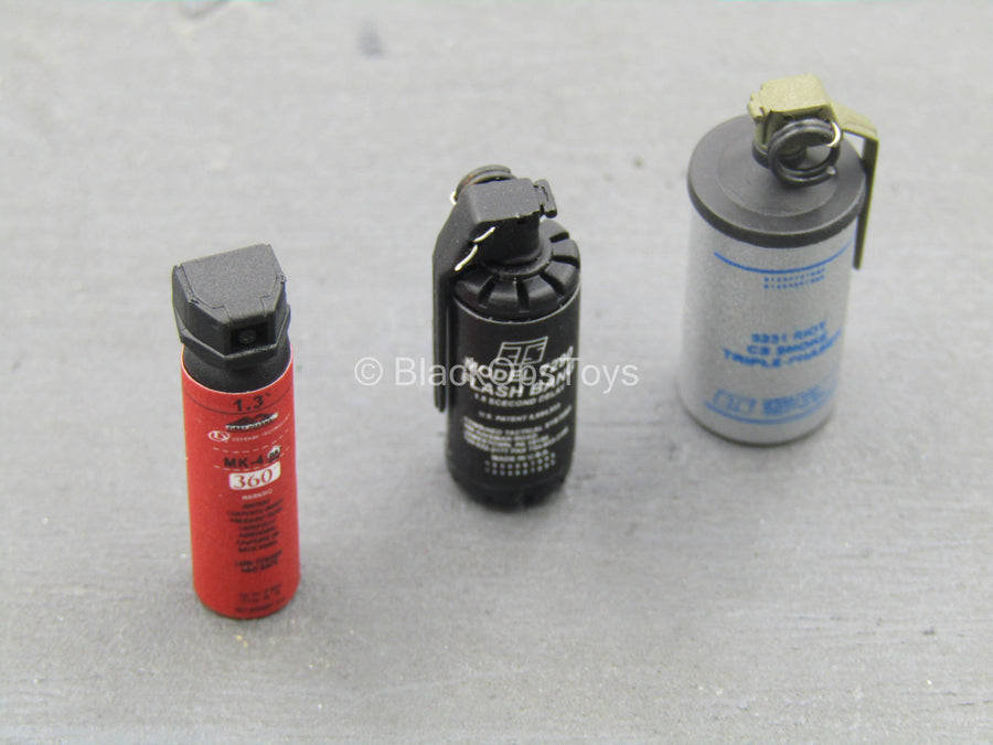 FBI - CIRG - Non-Lethal Grenade Set w/Pepper Spray