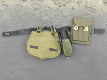 WWII - German Radio Operator - Black Belt w/Pouch Set