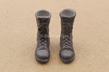 1/12 - Iron Mask - Maxwell - Weathered Black Boots