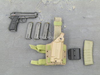 USMC 1st Battalion - M9 Pistol w/Tan Drop Leg Holster Set