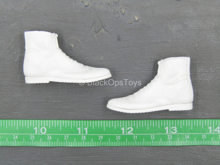 The Laughter 2.0 - White Boots (Peg Type)