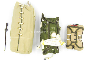 WWII - 101st Airborne Division - Parachute Pack Set